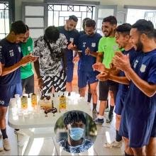اندياي ولاعبي الفريق الجديدي - (المصدر: صحيفة المنتخب)
